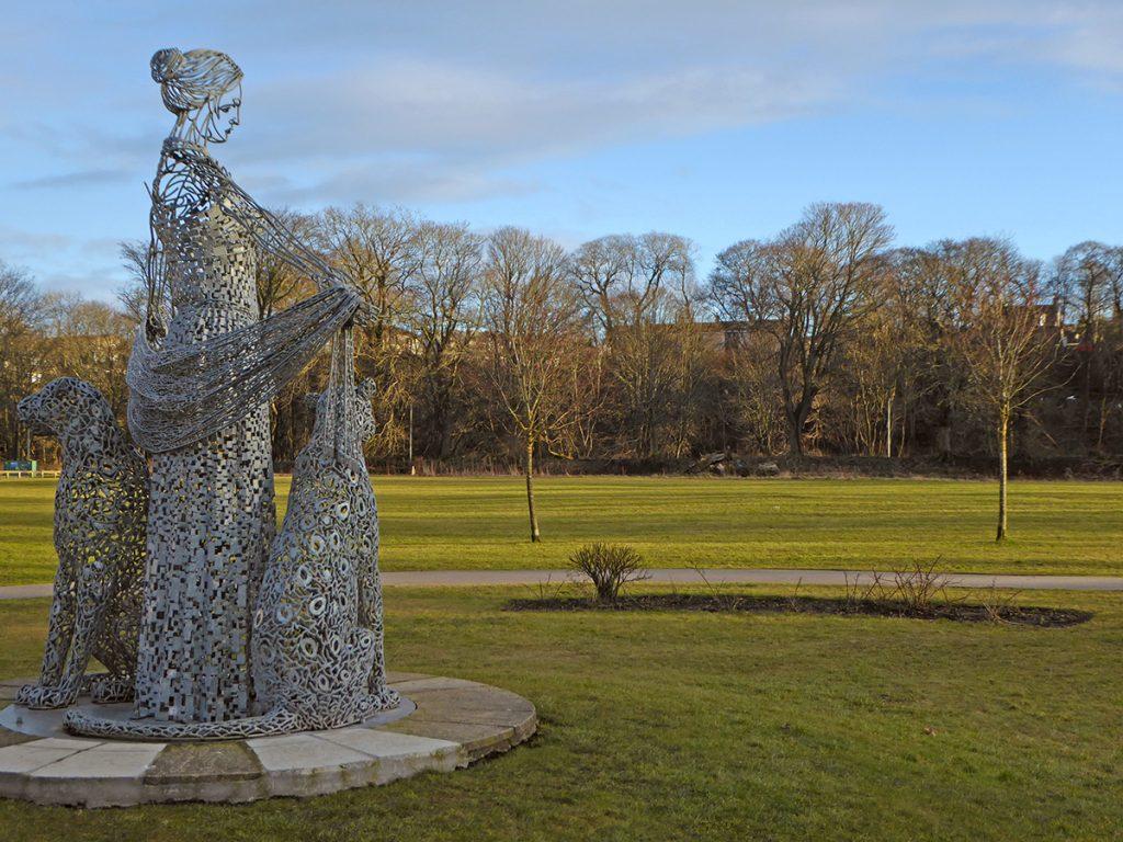Wire statue