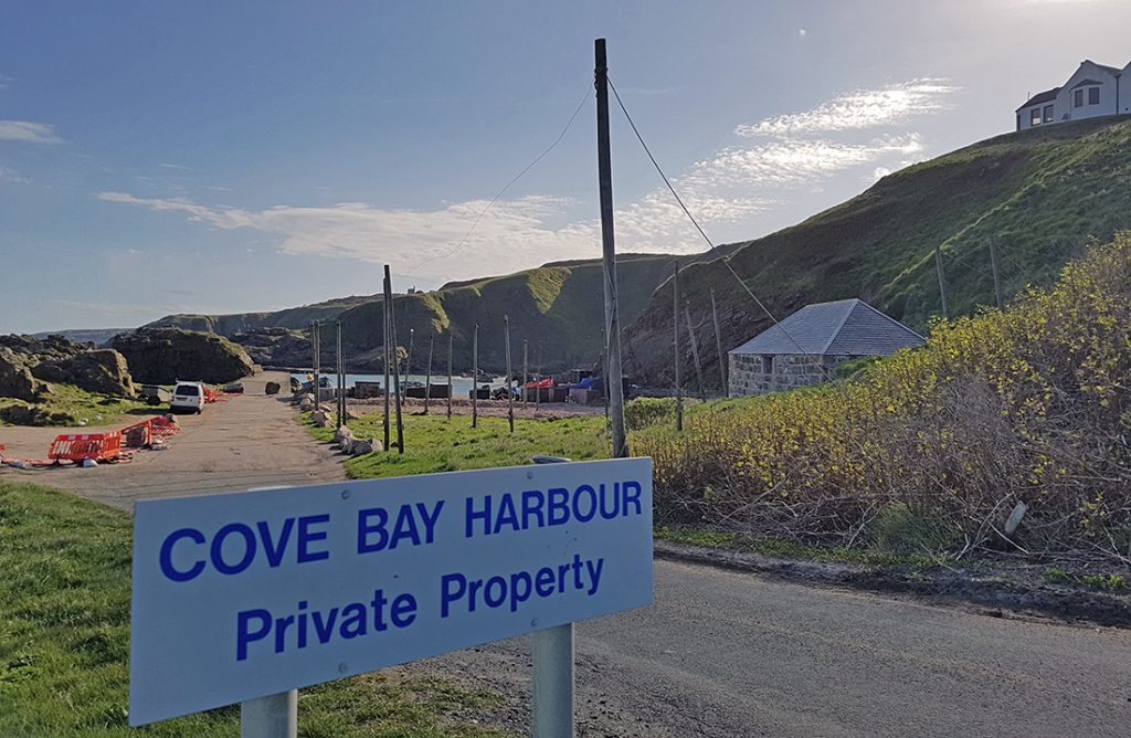 Entrance to Cove harbour