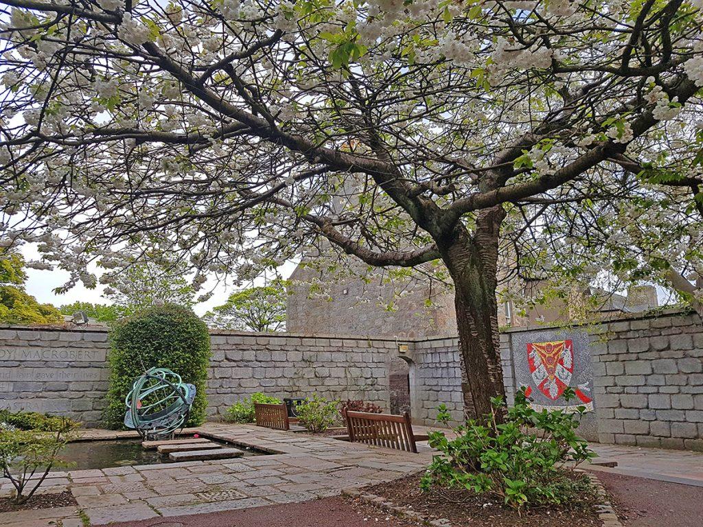 MacRobert memorial garden