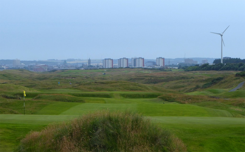 Back of Royal Aberdeen