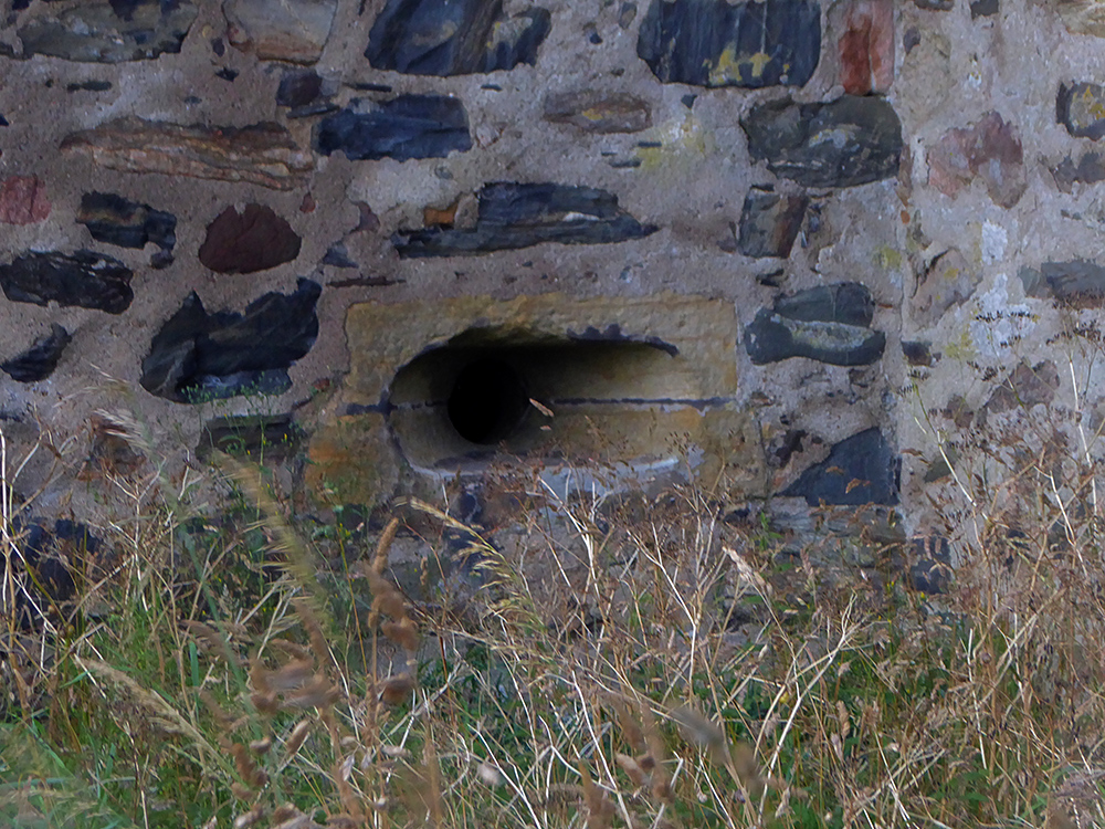 Knockhall Castle gun port